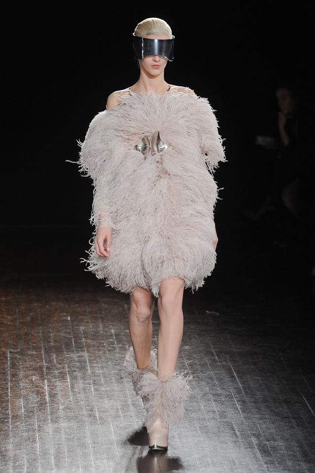alexer-mcqueen-autumn-fall-winter-2012-pfw37