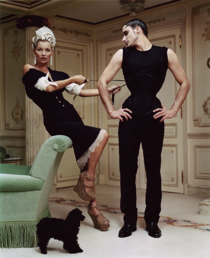 gabriel-moginot_kate-moss_tim-walker-ritz-vogueUSA-april2012-V2