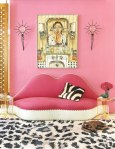 item7.rendition.slideshowWideVertical.diane-von-furstenburg-new-york-apartment-08-living-area-pink