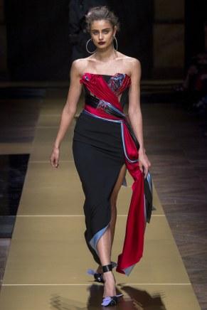 ATELIER VERSACE012fw16-couture-tc-772016