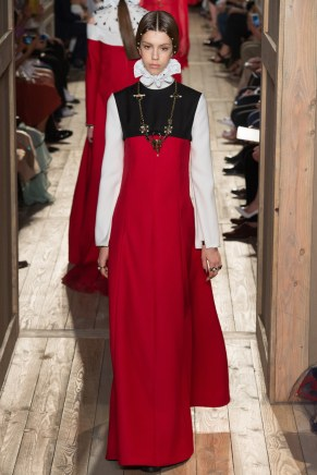 VALENTINO057fw16-couture-tc-772016