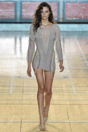 julien-macdonald011ss17-tc-91716