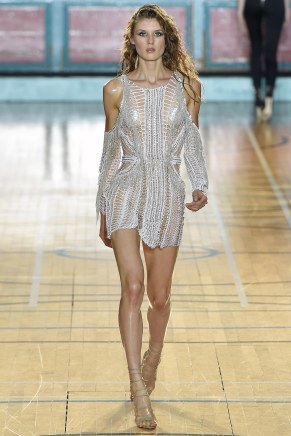 julien-macdonald012ss17-tc-91716