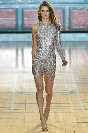 julien-macdonald025ss17-tc-91716