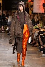 vetements013ss17-vetements-tc-9716