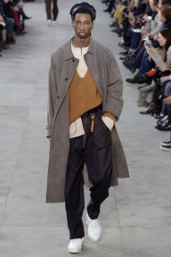 louis-vuitton20m-fw17-tc-1917