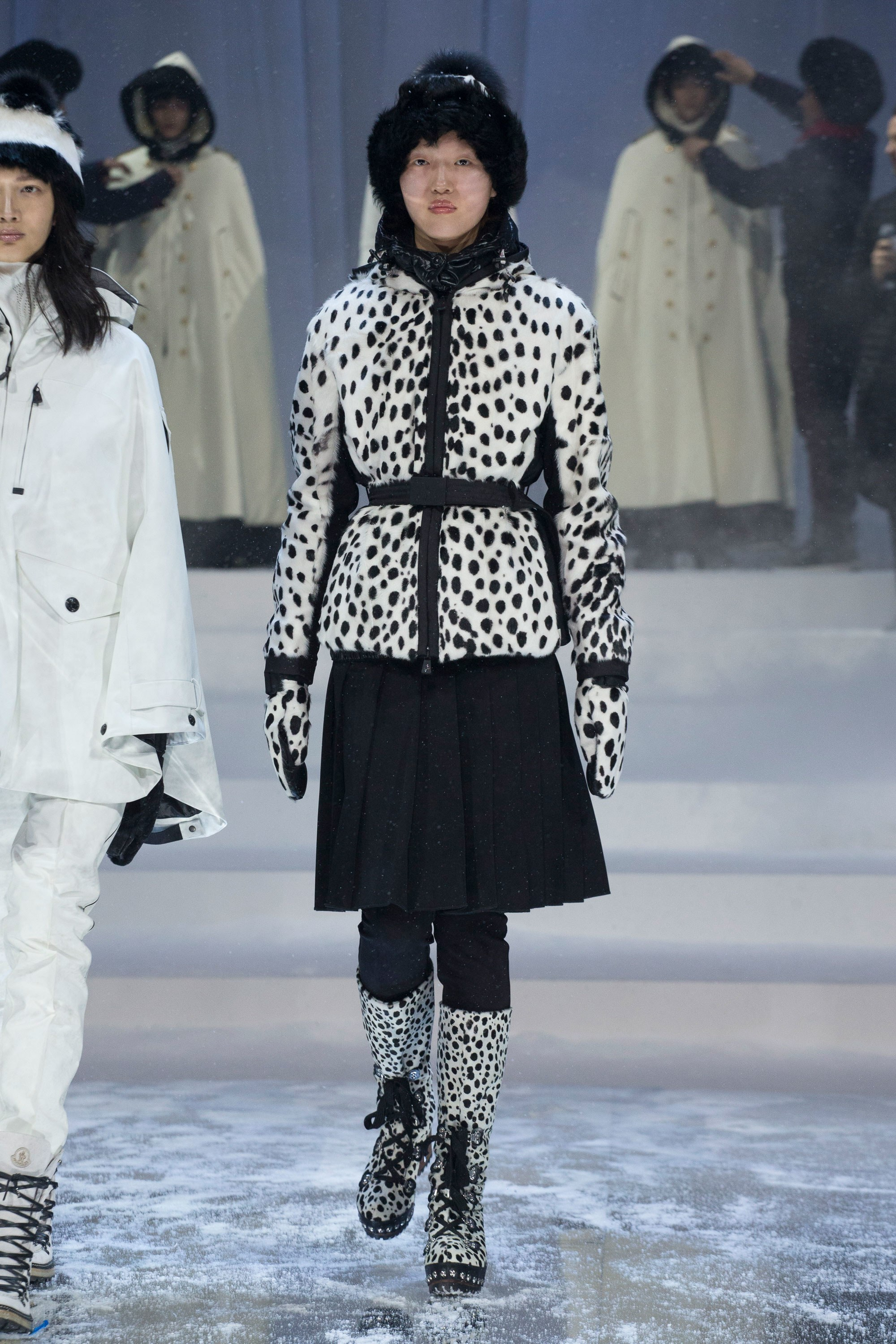 Watch - Grenoble moncler fall runway video