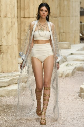 Chanel51-resort18-61317
