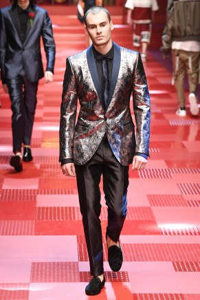 Dolce and Gabbana78-mensss18-61517
