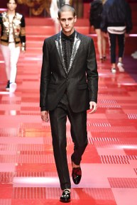 Dolce and Gabbana83-mensss18-61517
