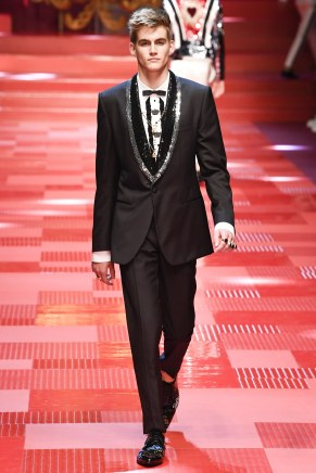 Dolce and Gabbana87-mensss18-61517