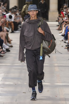 Louis Vuitton26-mensss18-61517