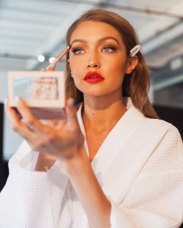 Gigi-and-Maybelline-Collaborated-On-A-Capsule-Collection-1