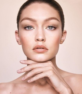 Gigi-and-Maybelline-Collaborated-On-A-Capsule-Collection-3