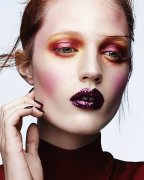 Julia-Banas-by-Ben-Hassett-for-Vogue-Italia-14