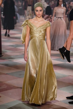 christian dior-26s19-couture-trend council