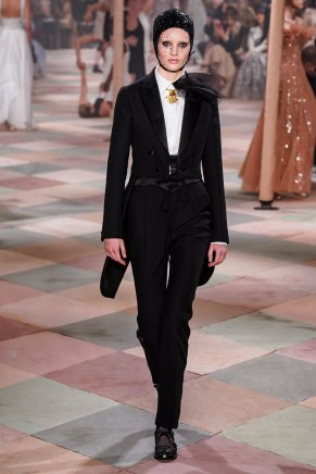 christian dior-64s19-couture-trend council