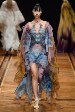 iris van herpen-12s19-couture-trend council