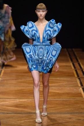 iris van herpen-13s19-couture-trend council