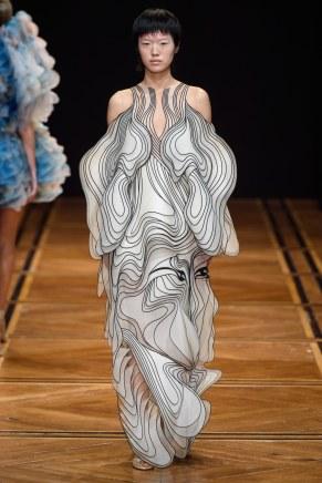 iris van herpen-15s19-couture-trend council