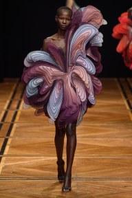 iris van herpen-18s19-couture-trend council