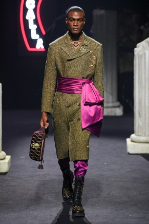 moschino-12m-fw19-trend council