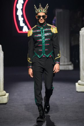 moschino-13m-fw19-trend council