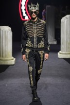 moschino-14m-fw19-trend council