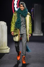 moschino-15m-fw19-trend council