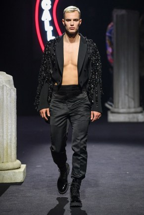 moschino-19m-fw19-trend council