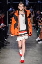 Burberry-08-w-fw19-trend council