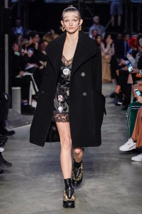 Burberry-12-w-fw19-trend council