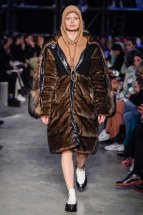 Burberry-16-w-fw19-trend council