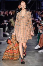 Burberry-17-w-fw19-trend council