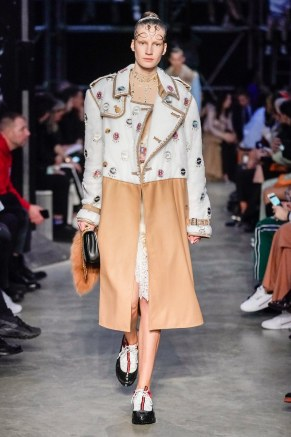 Burberry-25-w-fw19-trend council