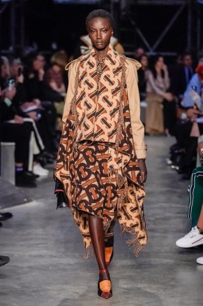 Burberry-39-w-fw19-trend council