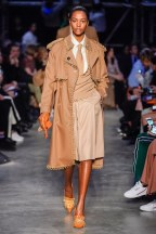 Burberry-40-w-fw19-trend council