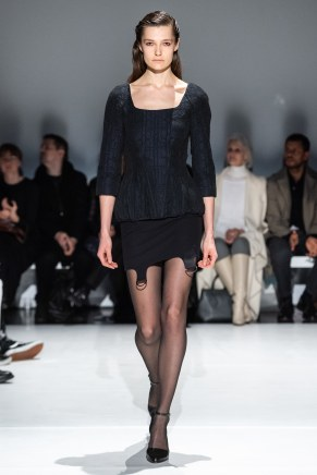 Chalayan-47-w-fw19-trend council