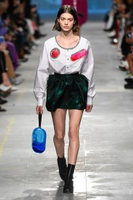 Christopher Kane-07-w-fw19-trend council