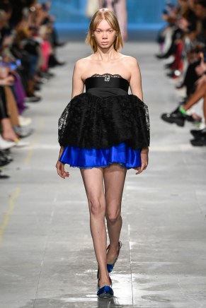 Christopher Kane-26-w-fw19-trend council