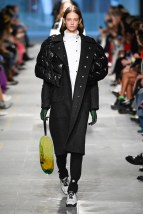 Christopher Kane-30-w-fw19-trend council
