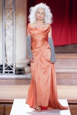 Vivienne Westwood-32-w-fw19-trend council
