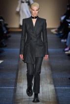 Alexander McQueen-04w-fw19-trend council
