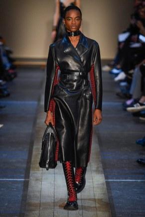 Alexander McQueen-12w-fw19-trend council