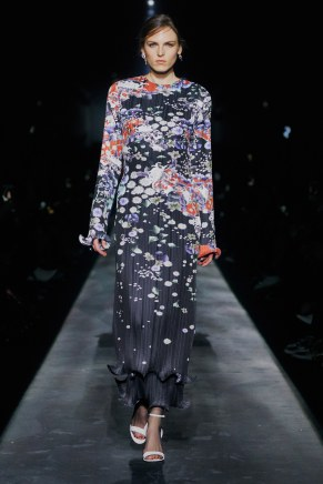 Givenchy-38w-fw19-trend council