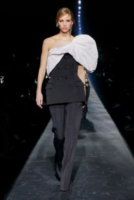 Givenchy-58w-fw19-trend council
