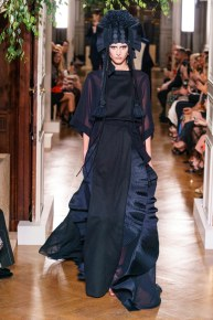 Valentino-19fw19-couture-trend council