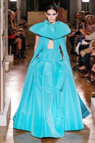 Valentino-32fw19-couture-trend council