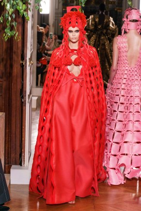 Valentino-67fw19-couture-trend council