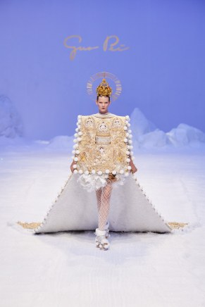 Guo Pei-22ss20-couture